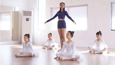 艾诗琳―幼儿中国舞启蒙班课