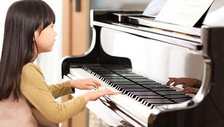 歆艺艺术培训――钢琴培训班